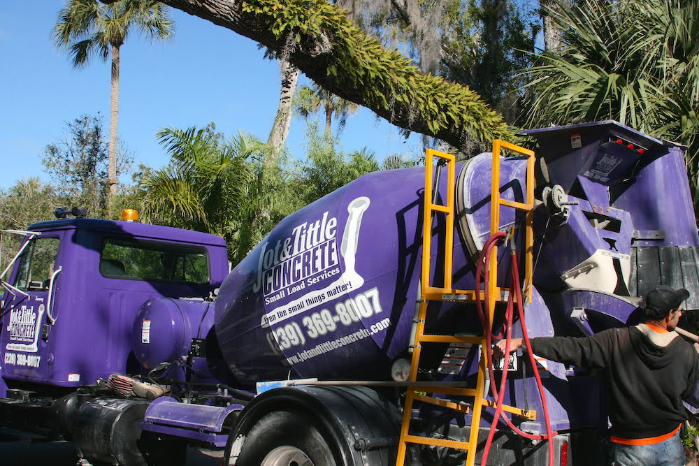 small load service trucks southwest florida