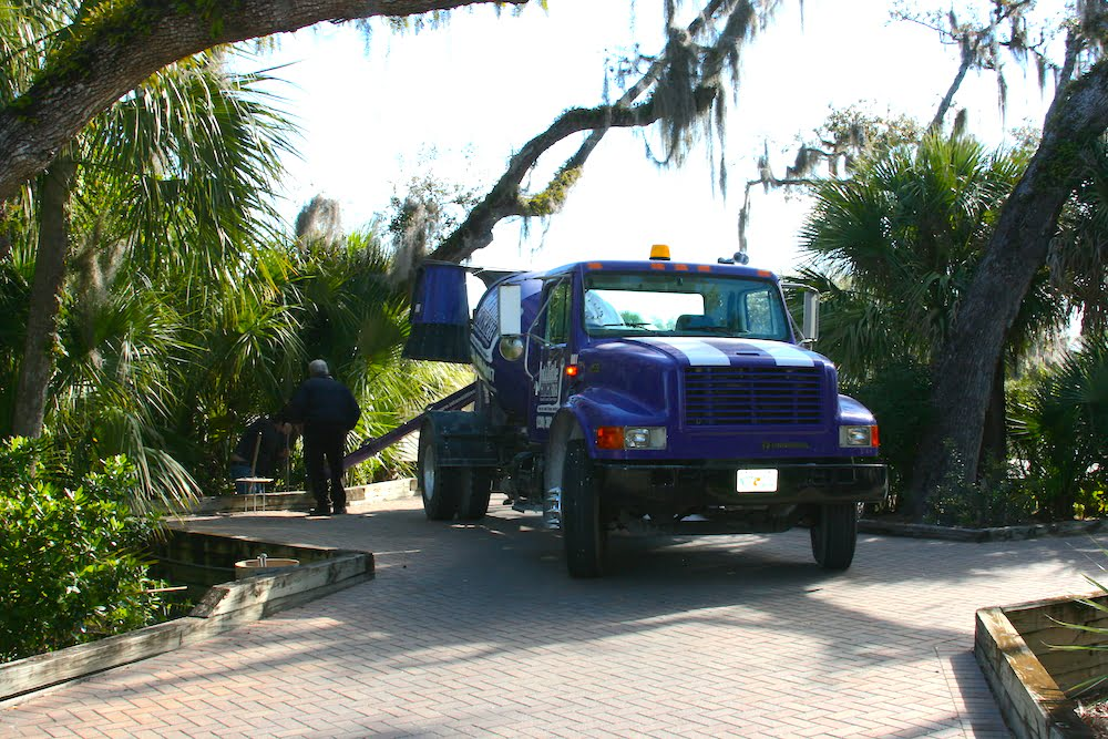 large load service trucks southwest florida